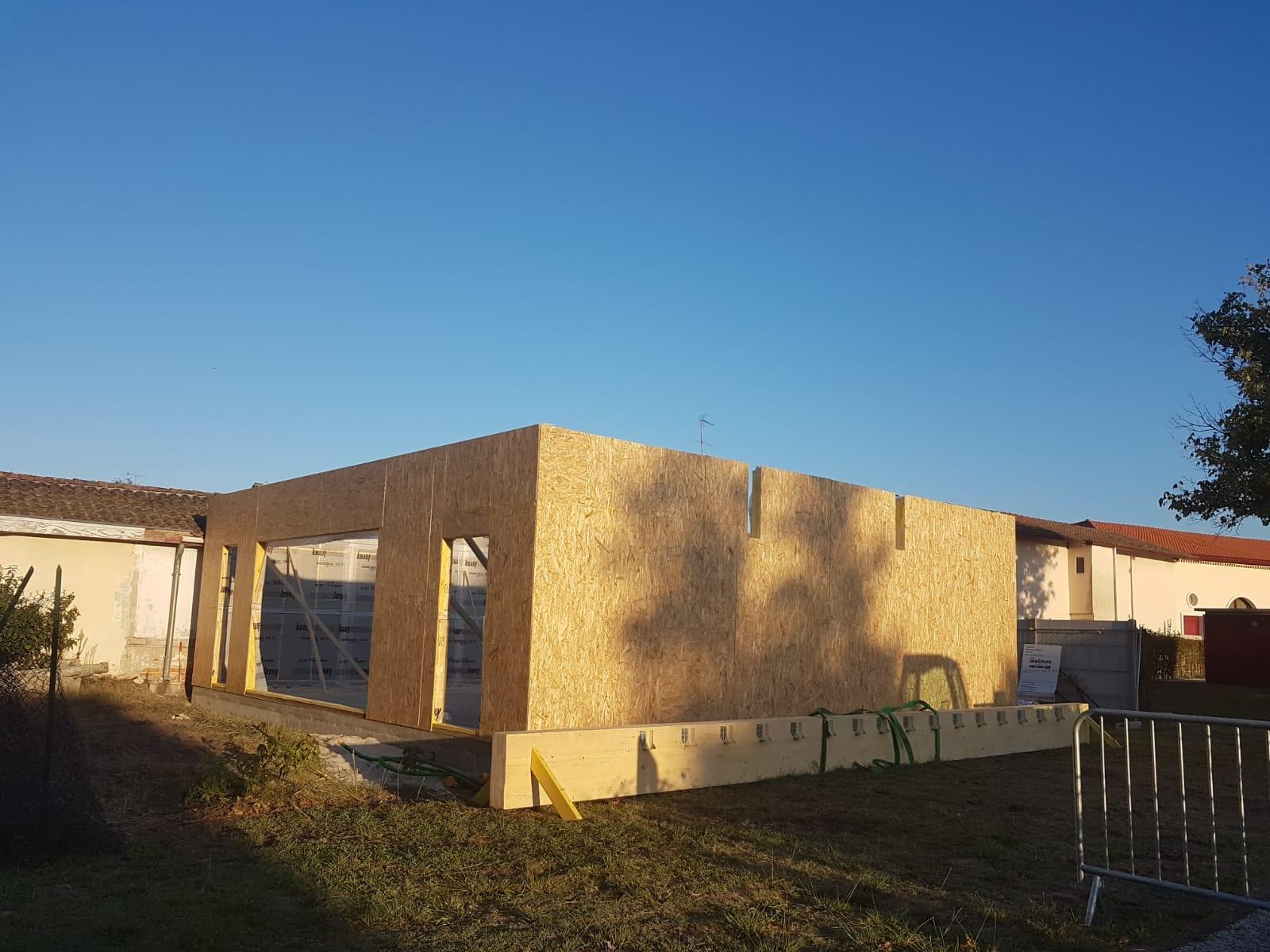 Montaj casa din lemn in Franta